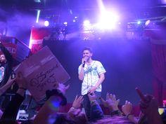 James onstage <3
