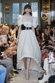 Weird Fashion, High Fashion, Fashion Show, Fashion Outfits, Fashion Design, Victorian Fashion, Vintage Fashion, Crazy Dresses, Runway Fashion
