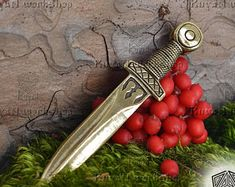 Sword Pendant. Vikings Sword Viking Necklace Viking Jewelry Viking Charm Vikings Bronze Sword Vikings Pendant