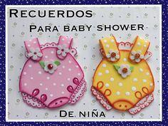 RECUERDO DE BABY SHOWER PARA NIÑA Distintivos Baby Shower, Fiesta Baby Shower, Baby Shower Crafts, Baby Shower Decorations, Foam Crafts, Paper Crafts, Moldes Para Baby Shower, Baby Shower Souvenirs, Lilo E Stitch