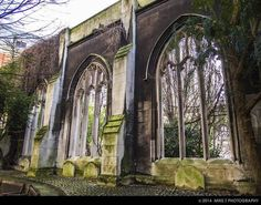 21 amazing secret places to find in London. St Dunstan-in-the-East, London Bridge Great Fire Of London, The Great Fire, London Bridge, Tower Of London, London Places, Things To Do In London, England And Scotland, Secret Places, Hidden Places