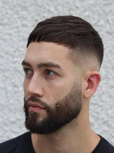 Timeless French Crop Haircut Variations in 2019 + Styling Guide Timeless French Crop Haircut Variations in 2018 + Styling Guide Crop Haircut, Fringe Haircut, Fade Haircut, Hairstyles Haircuts, Haircuts For Men, Cool Hairstyles, Military Hairstyles, Mens Medium Length Hairstyles, Straight Hairstyles