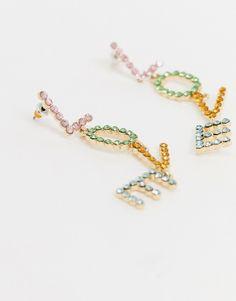 ASOS DESIGN - Guldfarvede øreringe med regnbue-krystaller og 'love'-vedhæng | ASOS Asos, Daisy, Beaded Bracelets, Jewelry, Design, Fashion, Jewellery Making, Moda, Jewerly