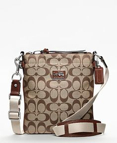 Coach Chelsea Signature Swingback (Crossbody) ~ I want this purse but in a diff color.