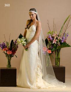 Vestido de Novia / wedding dress con detalle de volados en la falda