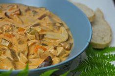 Apetyczna babeczka-Anielska Kuchnia: Sos grzybowy z ogórkiem, papryka i jogurtem Thai Red Curry, Meat, Chicken, Ethnic Recipes, Cubs