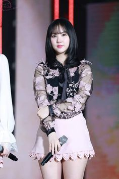 Stage Outfits, Girl Outfits, Fashion Outfits, Kpop Outfits, South Korean Girls, Korean Girl Groups, Lily Chee, G Friend, Friends Fashion