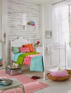 Decoração colorida: Colorindo um quarto branco