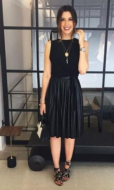 All black for today ❤️ (créditos na tela) Black Women Fashion, Look Fashion, Girl Fashion, Fashion Outfits, Womens Fashion, Moda Outfits, Skirt Outfits, Looks Style, Casual Looks