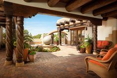 Traditional Adobe Southwest Style Santa Fe Home Builders: Tierra Concepts Southwestern Style Decor, Southwestern Home, Southwestern Decorating, Hacienda Homes, Hacienda Style, Santa Fe Decor, Adobe Haus, Santa Fe Home, Mexico House