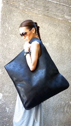 NEW Genuine Limited Edition Leather Black Bag / High Quality  Tote Asymmetrical  Large Bag by AAKASHA A14259