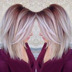 Pretty maroon color shadow roots to white blonde ends Cabelo Rose Gold, Ice Blonde, Blonde Ends, Blonde Hair Pink Roots, Blonde Rose Gold Hair, Burgundy Blonde Hair, Blonde Fall Hair Color, Rose Gold Short Hair, Maroon Hair