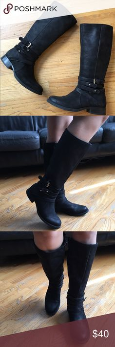 """Steve Madden Boots Gorgeous Black boots. In good condition. With wrap around Straps. Heel height approx """"1""""in. Steve Madden Shoes"""