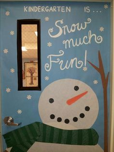 Cool Elegant Winter Door Decoration For Your Inspiration Christmas Bulletin Boards, Christmas Classroom Door, Winter Bulletin Boards, Office Christmas, Christmas Ideas, Holiday Door Decorations, School Door Decorations, Preschool Door, Teacher Doors