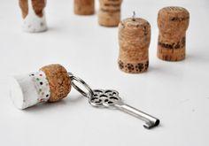 NATURKINDER: Schlüsselanhänger aus Sektkorken