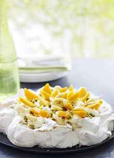 Get perfect results every time with this quick and easy pavlova recipe. With the perfect combination of crunchy and gooey meringue, and an endless variety of toppings, everyone needs a staple pavlova recipe.