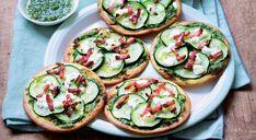 Tartelettes fines de pesto pistaches-persil aux courgettes