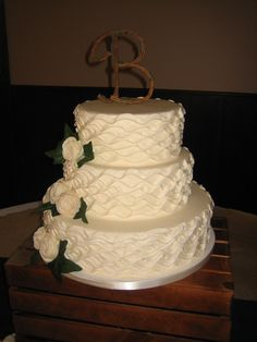 cake decorated by Yummy's Gourmet Cakes in Coralville, Iowa www.yummysgourmetcakes.com