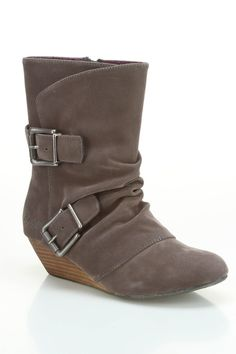 Slouch boots, awesome!