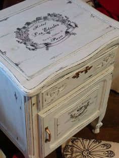 38 Ideas for bedroom neutral rustic shabby chic Painted Bedroom Furniture, Deco Furniture, Funky Furniture, Recycled Furniture, Shabby Chic Furniture, Furniture Projects, Furniture Making, Furniture Design, Shabby Chic Crafts