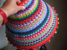 Link to make tiny balls (to use for tiny pom poms) for my crochet bunny tails 🐰 Wire Crochet, Crochet Bunny, Freeform Crochet, Crochet Home, Crochet Gifts, Knit Crochet, Doily Lamp, Crochet Lampshade, Crochet Cushions