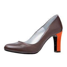 This Karly heel is a timeless and elegant heel. Whit a charming heel of 6.5 centimeters. This pump is available in many bright colors. Create your own Karly pump here: http://myown-style.com/product/karly/1028/1042/486 #Karly #heels #heel #pumps #highquality #high #quality #manybrightcolors #many #brightcolors #colors #brown #orange #leather #suede #create #your #own #createyourown #elegant #unique