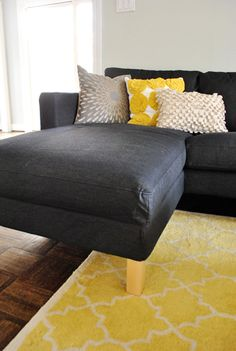 This picture right here is what turned me yellow. I adore the yellow and gray together and would like to add some turquoise to the mix. LOVE the pillows. Mwah!