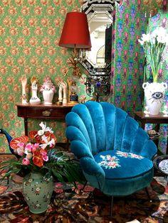 Cute Home Decor, Home Decor Items, Maximalist Interior, Interior Decorating, Interior Design, Vintage Interiors, Deco Design, Dream Decor, Home Decor Furniture