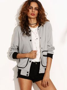 ¡Cómpralo ya!. Contrast Trim Binding Pocket Baseball Jacket. Grey Polyester Sports Casual Stand Collar Short Single Breasted Spring Fall Plain Fabric has no stretch Jackets. , chaquetabomber, bómber, bombers, bomberjacke, chamarrabomber, vestebomber, giubbottobombber, bomber. Chaqueta bomber  de mujer color gris de SheIn.