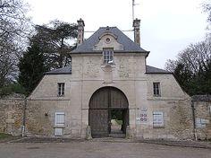 Compiègne - entrée ancienne Abbaye de Royallieu