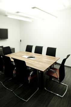Commercial Interior, Soft:17, Hard:40, FFE:23, interior conference room, simple furniture