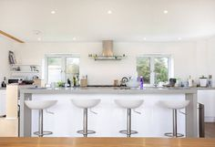 Contemporary Home, Bude, Cornwall : Modern kitchen by The Bazeley Partnership