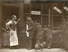 Vintage photographs of street life in Victorian London by Scottish photographer John Thomson. Victorian London, Victorian Street, Victorian Life, Vintage London, Victorian History, Victorian Gothic, Eugene Atget, History Of Photography, Documentary Photography