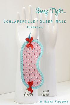 Schlafbrille / Sleep Mask Tutorial by ellis & higgs, via Flickr Fabric Crafts, Sewing Crafts, Sewing Projects, Craft Projects, Craft Ideas, Homemade Crafts, Diy And Crafts, Sewing Hacks, Sewing Tutorials