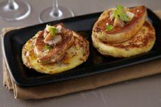 Recette de Pancake de pommes de terre aux éclats de châtaignes, escalope de foie gras poêlée, vinaigrette de cidre et miel