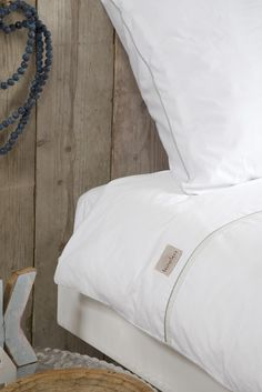 Old time classic. White bed linnen with the Koeka Queens duvet cover | Koeka webshop