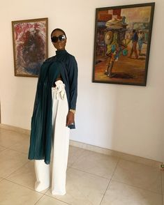 Sometimes we don't even understand the way in which God has positioned our blessings, that he often needs to change the course of our life… Looks Style, African Women, Classy Outfits, Chic Outfits, Minimalist Fashion, Minimalist Style, Her Style, Passion For Fashion, Style Icons