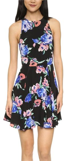 Yumi Kim Black Floral Printed Silk Blue Swingy Fit N Flare New Dress. Free shipping and guaranteed authenticity on Yumi Kim Black Floral Printed Silk Blue Swingy Fit N Flare New DressYumi Kim  Floral Printed Silk Dress      Size Smal...