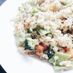 Yummy healthy stir fried brown rice & veg #blogginggals #foodblogger @femalebloggerrt blogger bbloggers katielewla blogginggals beautyblogger