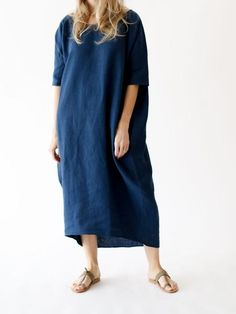19c7360d A long cocoon dress with pockets. One size fits most. Color: Indigo Linen