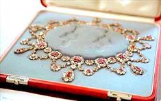 Le collier de la parure rubis danoise