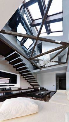 The interior design of this open loft is modern, minimalist with lots of light. There are the glass rails, big windows and partly glass floor the house looks Deco Design, Design Case, Design Exterior, Interior And Exterior, Luxury Interior, Modern Glass House, Architecture Design, Beautiful Architecture, Building Architecture