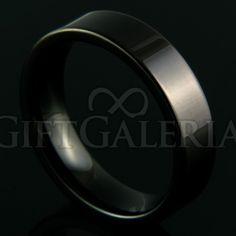 Aliança de Compromisso em Tungstênio Tormenta com espessura de 6mm, formato cilíndrico e reto clássico, cor preto.