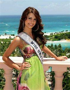 Stefania Fernandez - Venezuela - Miss Universe 2009