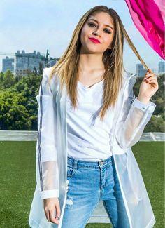 Karol Sevilla Sou Luna Disney, Cimorelli, Son Luna, Famous Girls, The Most Beautiful Girl, Chic Outfits, Girl Power, Celebs, Singer