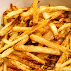 Learn the secrets to the best oven-baked French fries that are tasty, crispy, and healthy. Cut them yourself or use frozen fries. Oven Baked French Fries, Crispy French Fries, French Fries Recipe, Baked Drumsticks, Making French Fries, Best Oven, Fries In The Oven, Fries Oven, Cooking For Two