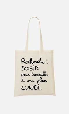 Tote Bag Recherche Sosie par Alfred, le Francais - Wooop.fr Funny Shirts, Tee Shirts, Tods Bag, French Words, Mothers Day Shirts, Silhouette Portrait, Happy Weekend, Cricut, Reusable Tote Bags
