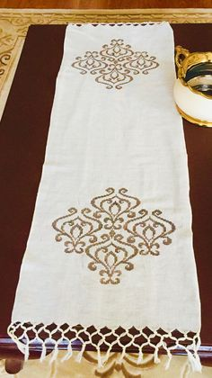 Discover thousands of images about Alintidir Cross Stitch Borders, Cross Stitch Flowers, Cross Stitch Patterns, Crewel Embroidery, Cross Stitch Embroidery, Machine Embroidery, Easter Cross, Quilted Table Runners, Fine Linens