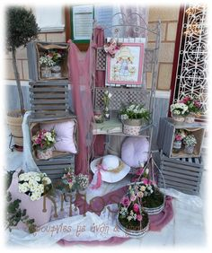 Sarah Kay, Baptism Party, Wedding Decorations, Table Decorations, Arte Floral, Christening, Ladder Decor, Birthday Parties, Decorative Boxes