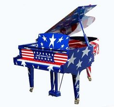 I.WANT.IT.NOW!!!!!! THAT'S TOTALLY ME!!!!!!! (funny thing, I was thinking they should make a patriotic piano then i found this!)